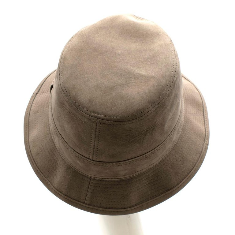 Hermes Taupe Suede Lambskin Bucket Hat In New Condition For Sale In London, GB
