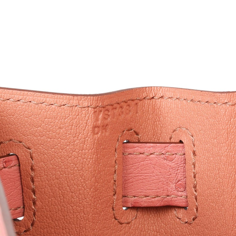 Hermès Terre Cuite Ostrich Leather Kelly 28cm Sellier In New Condition For Sale In Bishop's Stortford, Hertfordshire