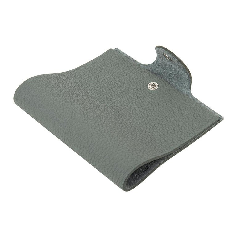 Hermes Ulysse Mini Notebook Cover Vert Amande with Unlined Notebook Refill For Sale 6