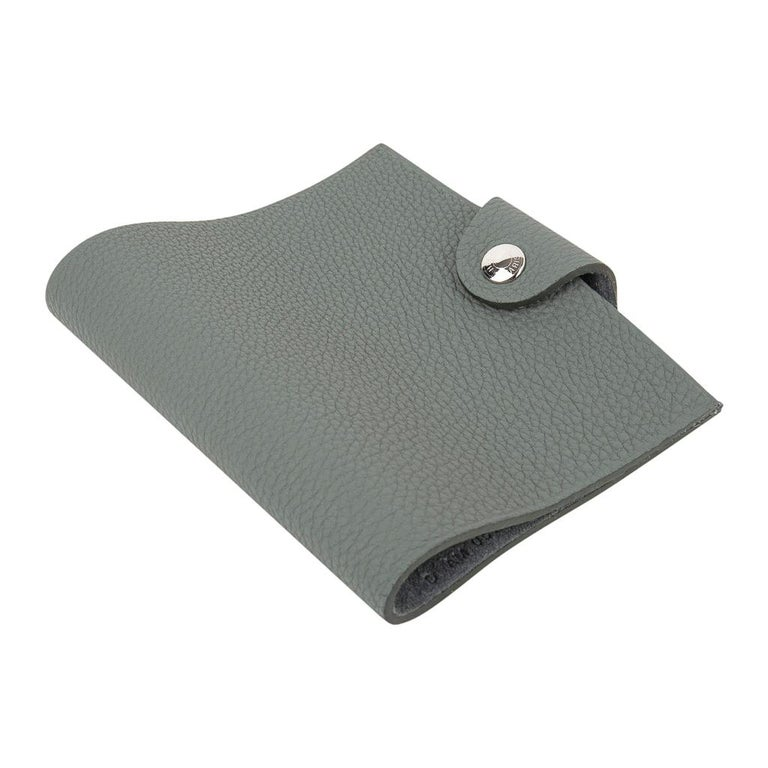 Hermes Ulysse Mini Notebook Cover Vert Amande with Unlined Notebook Refill For Sale 4