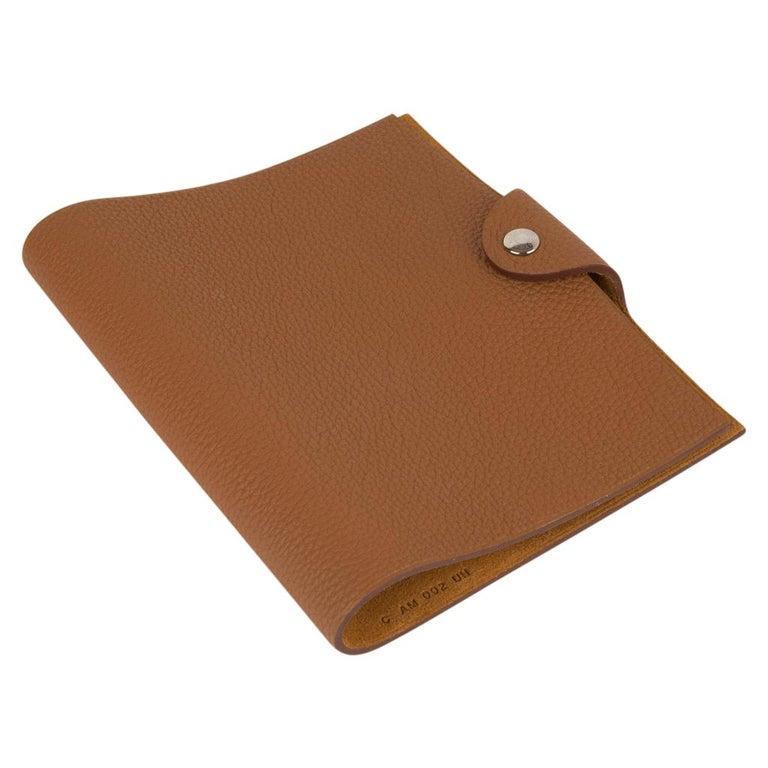 Hermes Ulysse PM Agenda Cover Gold Togo with Refill In New Condition For Sale In Miami, FL