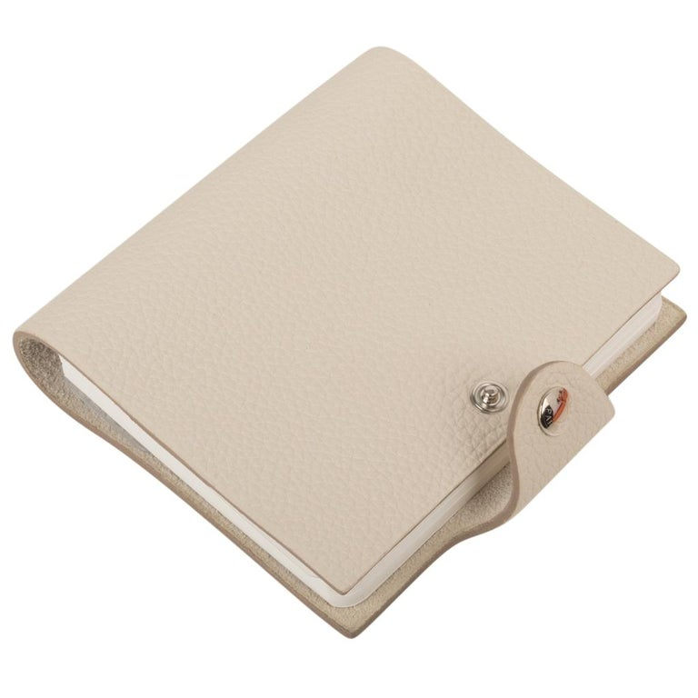 Hermes Ulysse Notebook Cover Craie Mini Model Ulysse Lined Notebook & Refill In New Condition For Sale In Miami, FL