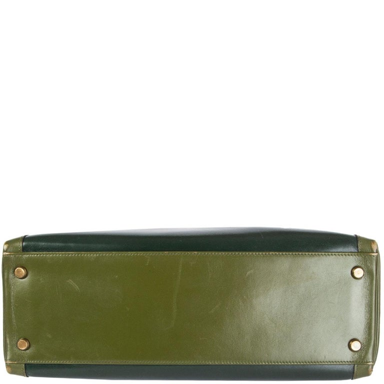 HERMES Vert green Box leather BI-COLOR KELLY 32 RETOURNE Bag Gold In Good Condition For Sale In Zürich, CH