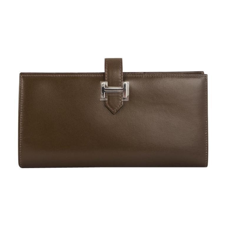 HERMES Vert Olive green Box leather BEARN Wallet