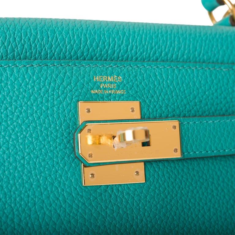 Women's or Men's Hermes Vert Verone Togo Kelly 28 Gold Hardware 2019 For Sale
