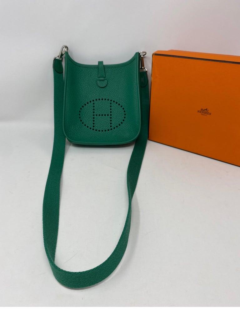 Hermes Vertigo Green Evelyne TPM Bag In Excellent Condition For Sale In Athens, GA
