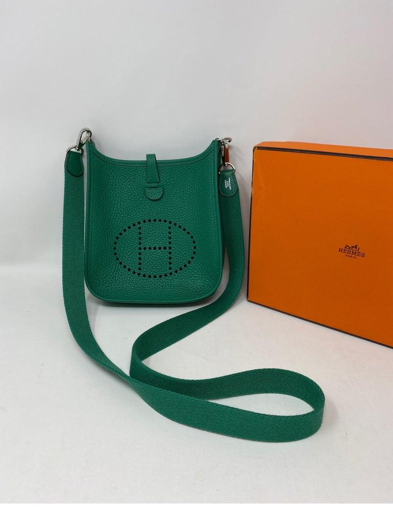 Women's or Men's Hermes Vertigo Green Evelyne TPM Bag For Sale
