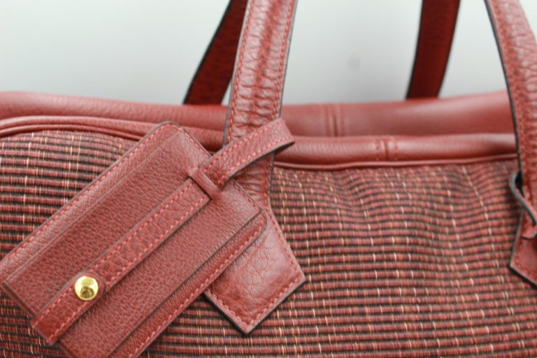 Hermes Victoria 45 travel 48h bags in crinoline and buffalo leather. Good overall condition, 2 spots on the crinoline with some signs of wear. Sold with key, clochette and name tag. Size 45x26