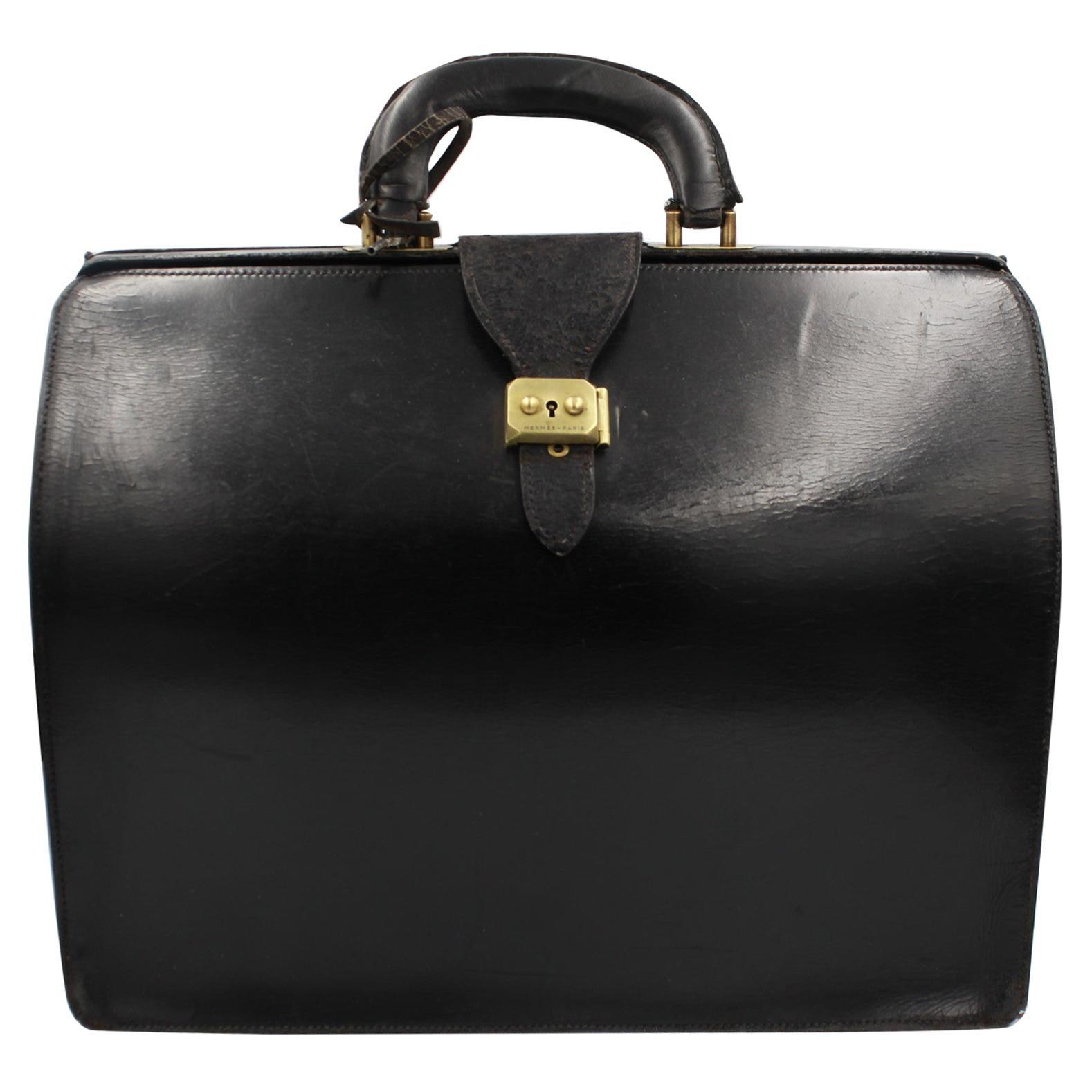 eea3eec7980c0 1960s Handbags and Purses - 315 For Sale at 1stdibs