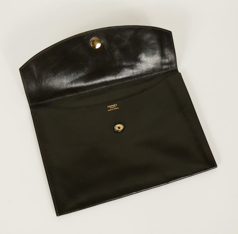 Women's or Men's Hermes Vintage Brown Leather H Clasp Rio Clutch Bag For Sale