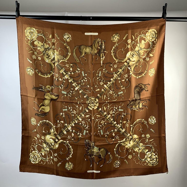 MATERIAL: Silk COLOR: Brown MODEL: Scarf GENDER: Women SIZE: 35 x 35 inches - 88,8 x 88, 8 cm Condition A :EXCELLENT CONDITION - Used once or twice.Imperceptible signs of wear may be present due to storage Measurements - Internal Ref: - 78465291-XX