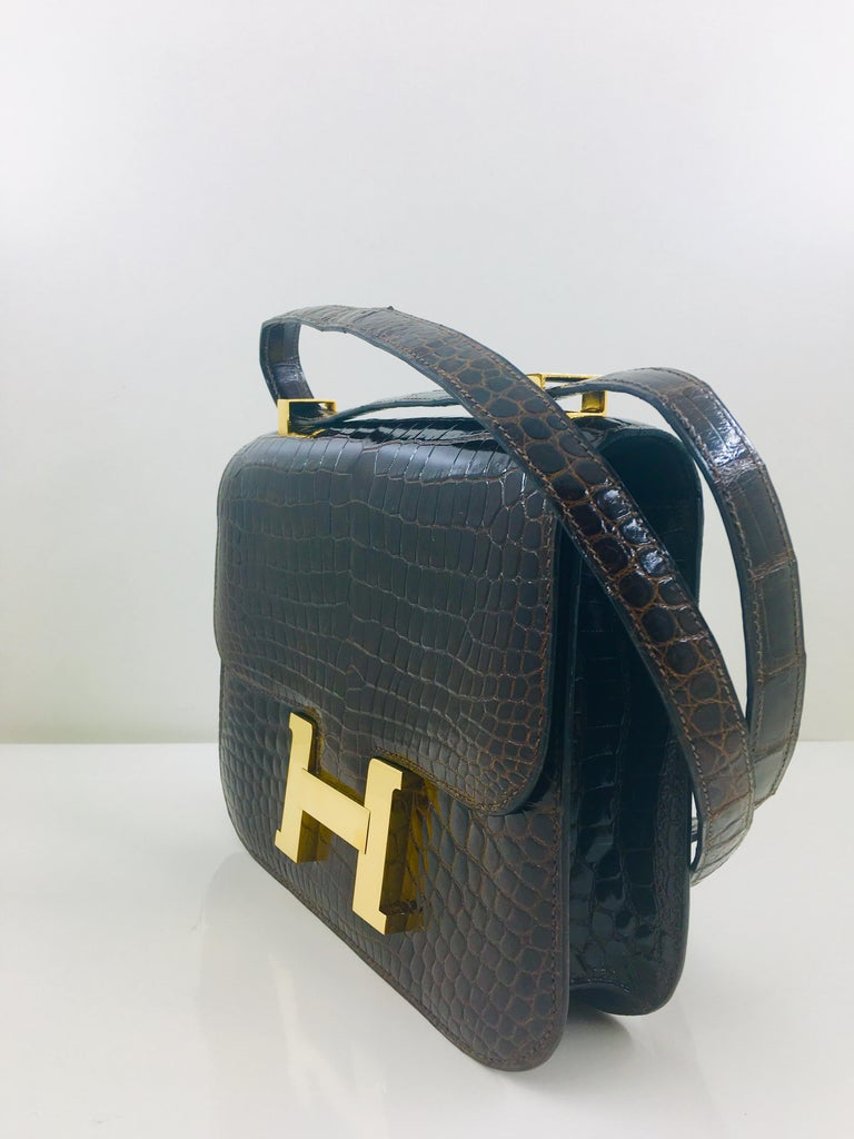 Women's Hermes vintage Constance 23 in brown crocodile For Sale