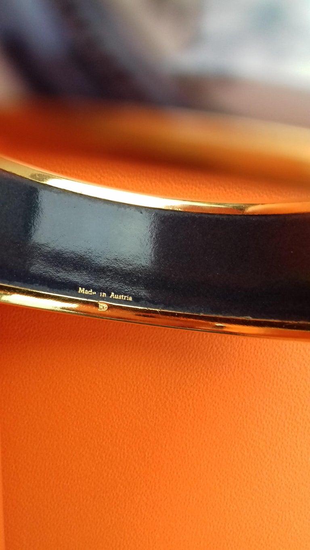 Hermès Vintage Enamel Bracelet Wedgwood Ledoux Gold plated Hdw Size 65 For Sale 8