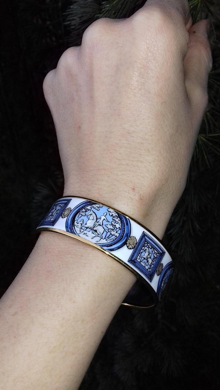 Hermès Vintage Enamel Bracelet Wedgwood Ledoux Gold plated Hdw Size 65 For Sale 10