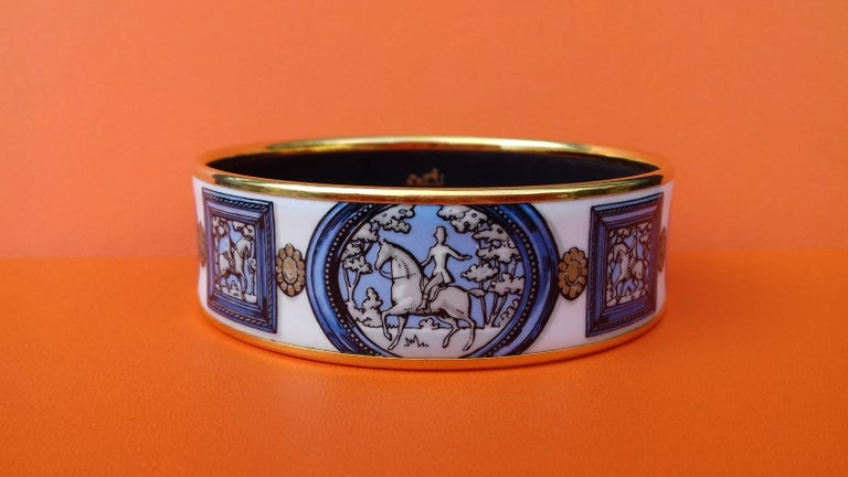 Hermès Vintage Enamel Bracelet Wedgwood Ledoux Gold plated Hdw Size 65 In Good Condition For Sale In ., FR