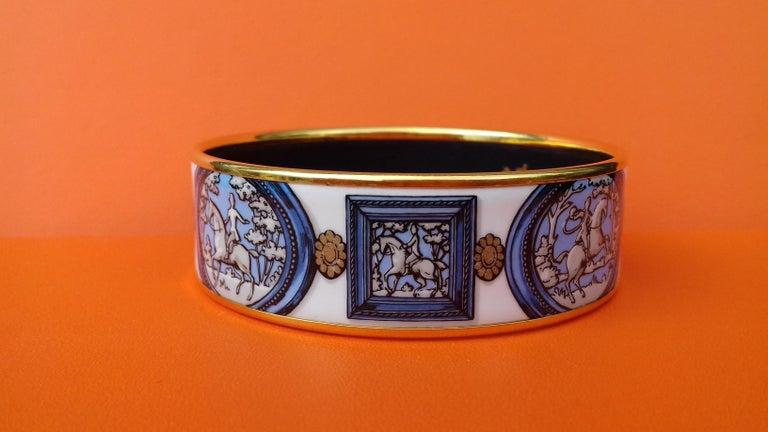 Women's Hermès Vintage Enamel Bracelet Wedgwood Ledoux Gold plated Hdw Size 65 For Sale