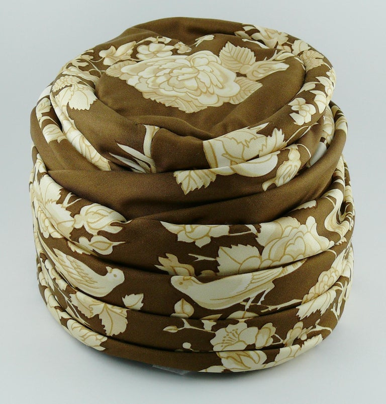 Hermes Vintage Flowers and Birds Silk Turban Hat  For Sale 5