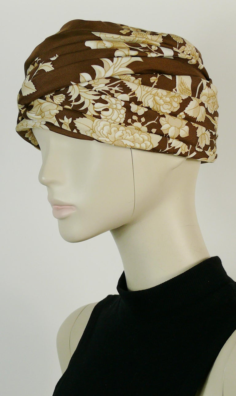 Hermes Vintage Flowers and Birds Silk Turban Hat  For Sale 2