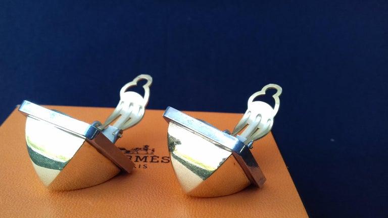 Hermès Vintage Golden and Silver Metallic Clip-On Medor Earrings For Sale 3