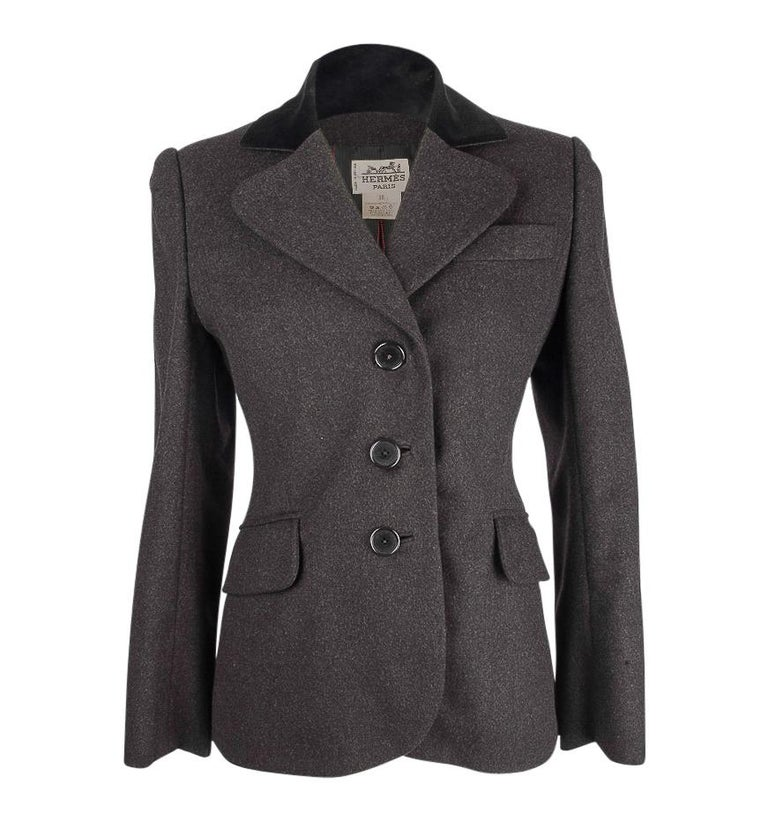 Hermes Vintage Jacket Charcoal Cashmere Velvet Collar  Rear Keyhole Vent  38   In Excellent Condition For Sale In Miami, FL