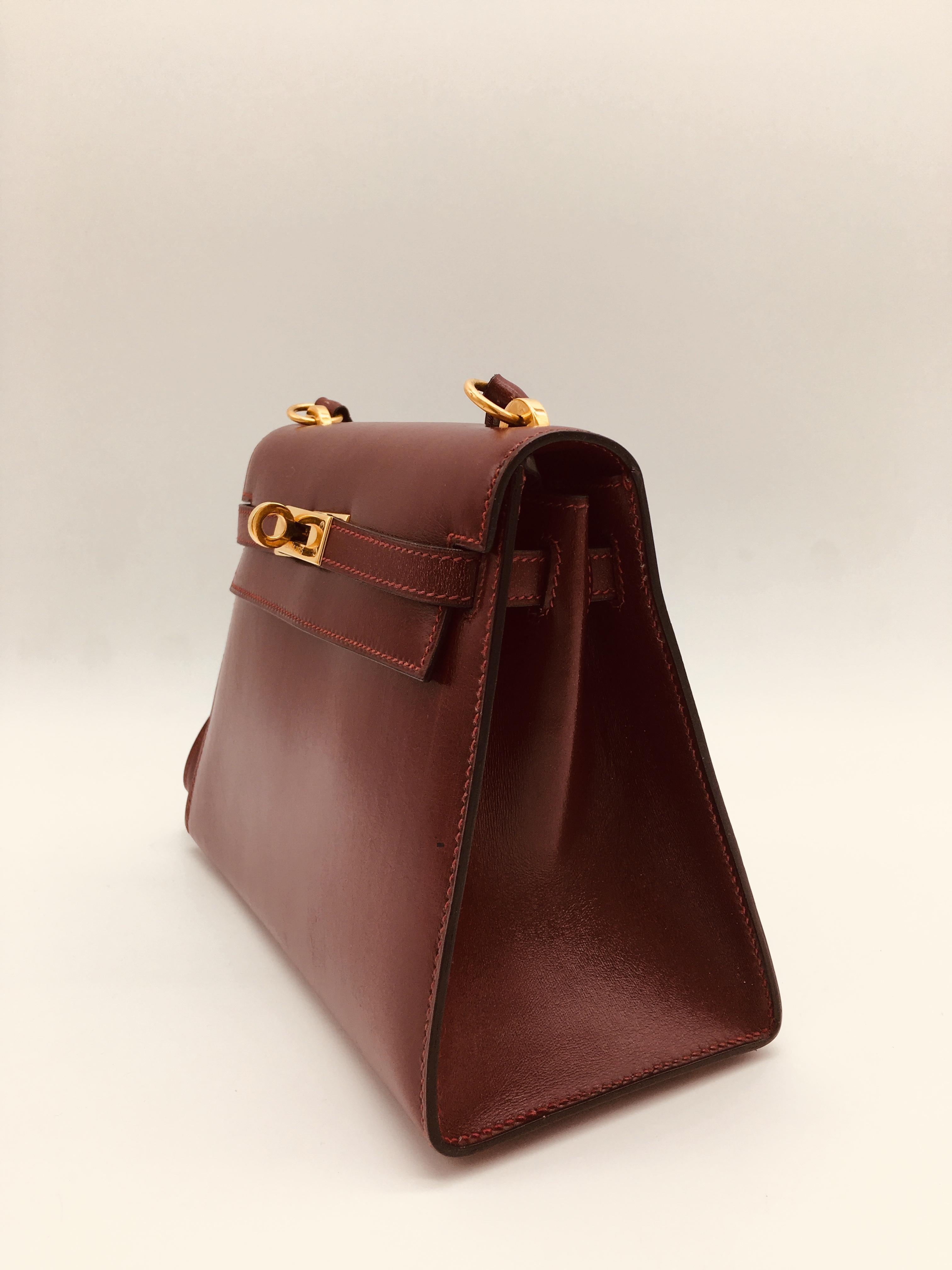 b075a69ee66ab Hermes Vintage Kelly 20cm aus rotem Leder