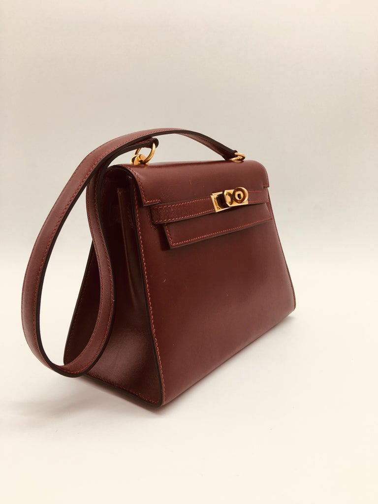 Hermes vintage Kelly 20cm Rouge H in Box leather For Sale 1