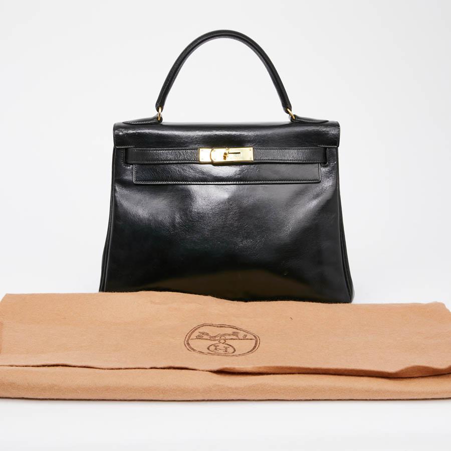 7f8475830bb1 HERMES Vintage Kelly 28 Handle Bag in Black Box Leather For Sale at 1stdibs