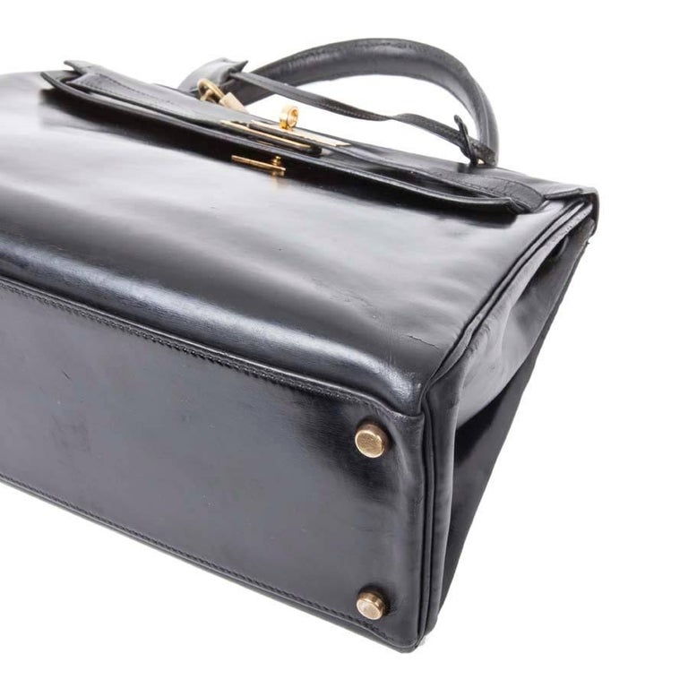 HERMES Vintage Kelly 32 Bag in Black Box Leather In Good Condition For Sale In Paris, FR