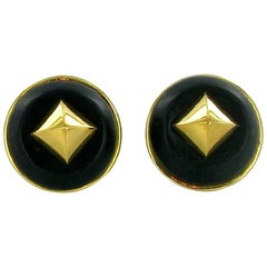 Hermes Vintage Médor Clips-on Earrings in Gold Plated Metal and Black Leather