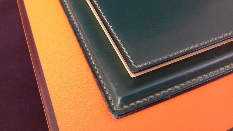 Women's or Men's Hermès Vintage Notepad Cover / Holder in Green Box Leather For Sale