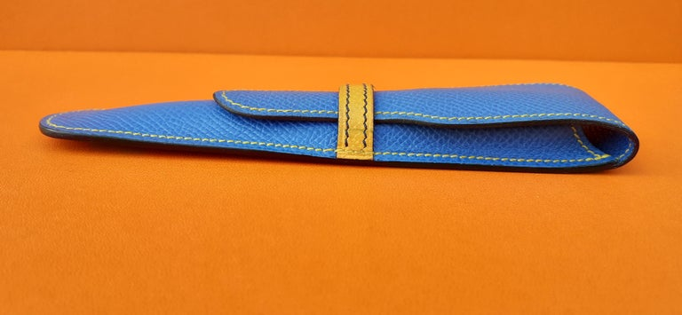 Hermès Vintage Pencil Pen Case Courchevel Leather Blue Yellow RARE In Good Condition For Sale In ., FR