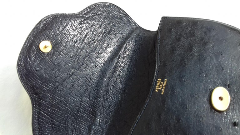 Hermès Vintage Pola Purse Clutch Evening Bag 2 ways Black Ostrich Golden Hdw For Sale 11