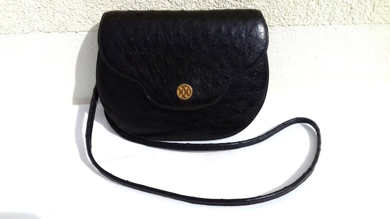 Women's Hermès Vintage Pola Purse Clutch Evening Bag 2 ways Black Ostrich Golden Hdw For Sale