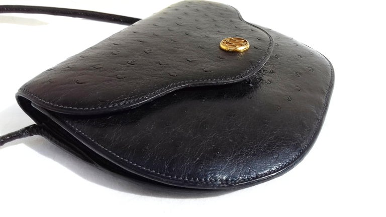 Hermès Vintage Pola Purse Clutch Evening Bag 2 ways Black Ostrich Golden Hdw For Sale 1