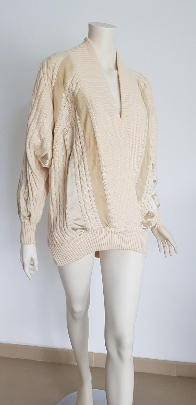 HERMES white cream wool collection sweater with silk suede strips - Unworn, New In New Condition For Sale In Somo (Santander), ES