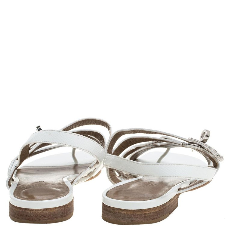Hermes White Leather Marine Strappy Flat Sandals Size 38.5 In Good Condition For Sale In Dubai, Al Qouz 2