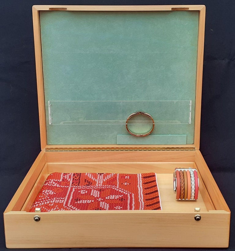 Hermès Wooden Box Chest to Store Scarves or Jewelry RARE For Sale 11