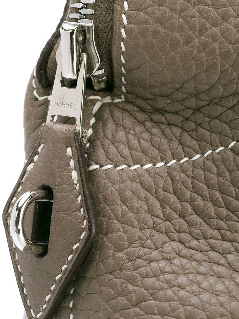 Hermès Etaupe Leather Bolide Bag, 2006 In Excellent Condition For Sale In Lugo (RA), IT