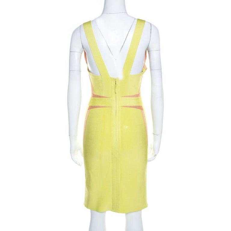Herve Leger Lime Green Knit Estelle Bandage Dress S In Good Condition In Dubai, Al Qouz 2
