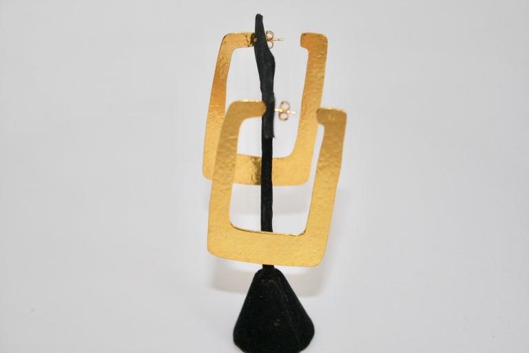Herve van der Straeten Rectangular Hoop Earrings In New Condition For Sale In Virginia Beach, VA