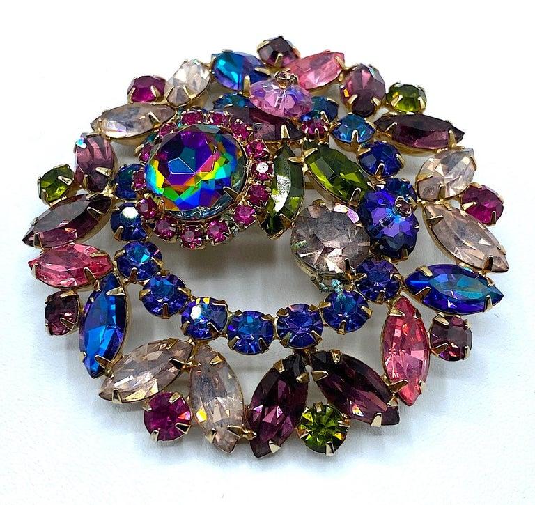 Hettie Carnegie 1950s Large Pink, Purple, Blue & Green Brooch & Earrings Set For Sale 9