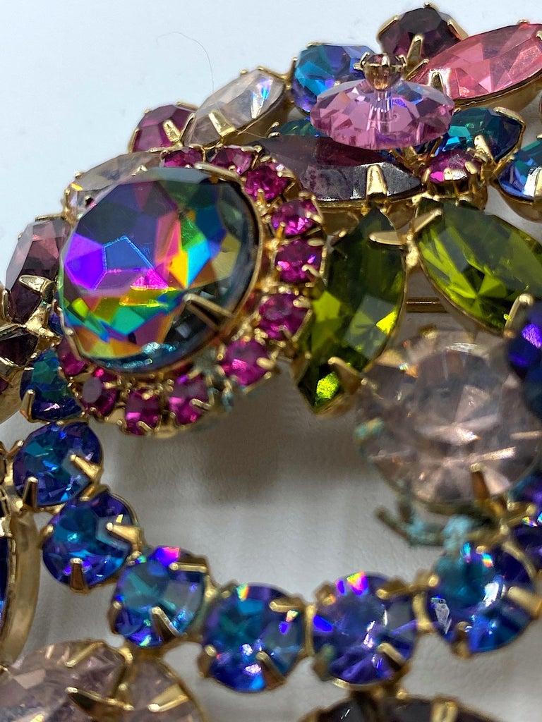 Hettie Carnegie 1950s Large Pink, Purple, Blue & Green Brooch & Earrings Set For Sale 10