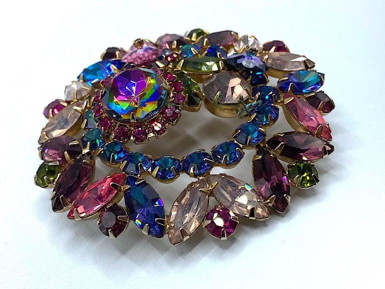 Hettie Carnegie 1950s Large Pink, Purple, Blue & Green Brooch & Earrings Set For Sale 12
