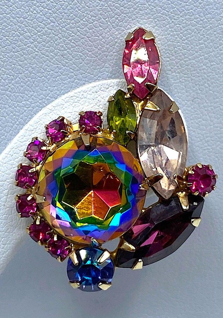 Hettie Carnegie 1950s Large Pink, Purple, Blue & Green Brooch & Earrings Set For Sale 3