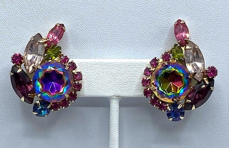 Hettie Carnegie 1950s Large Pink, Purple, Blue & Green Brooch & Earrings Set For Sale 5