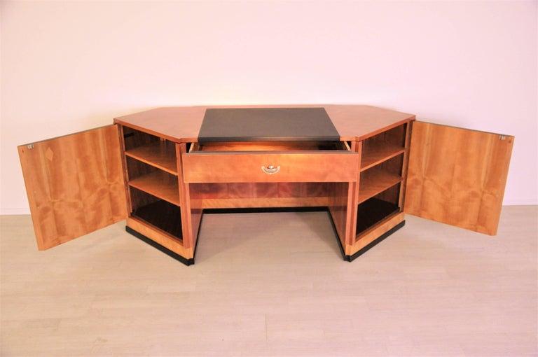Sechseckiger Art Deco Schreibtisch aus Kirschbaumholz und Mahagoni 4