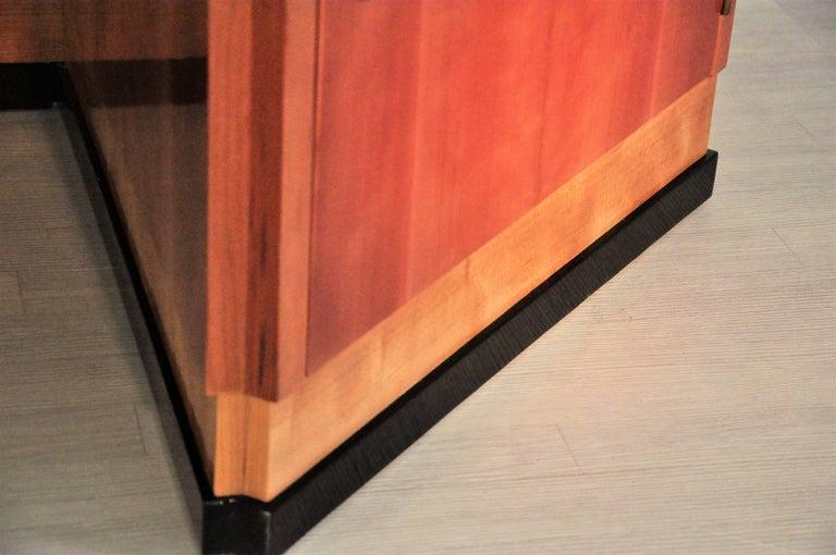 Sechseckiger Art Deco Schreibtisch aus Kirschbaumholz und Mahagoni 5