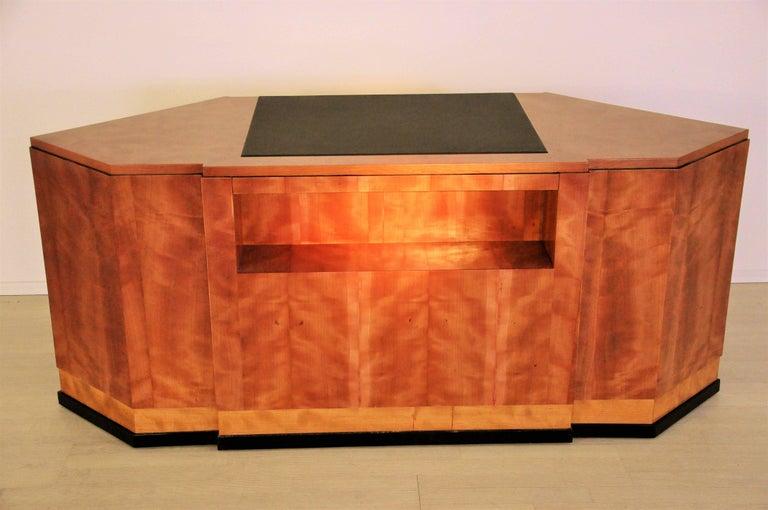 Sechseckiger Art Deco Schreibtisch aus Kirschbaumholz und Mahagoni 6