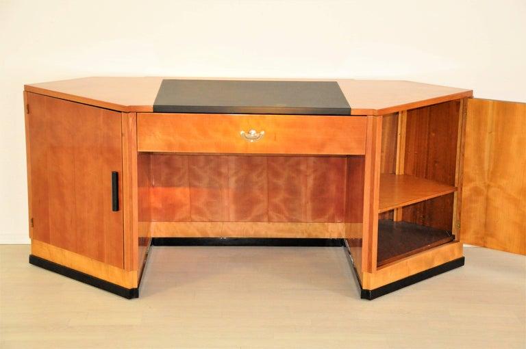 Sechseckiger Art Deco Schreibtisch aus Kirschbaumholz und Mahagoni 8