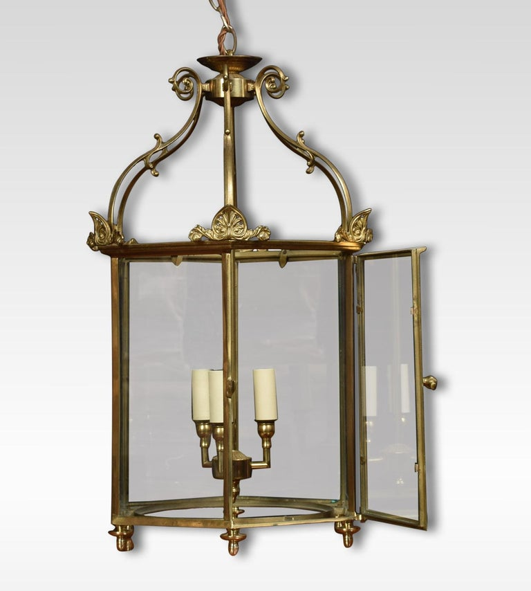 Hexagonal Brass Hall Lantern In Good Condition For Sale In Cheshire, GB